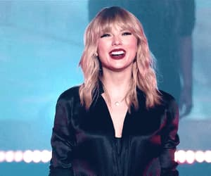 gif, Taylor Swift, and live city of lover image