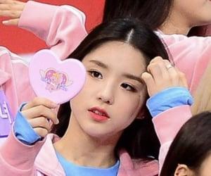 heejin, loona, and pink image