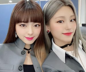 pink, instagram, and itzy image