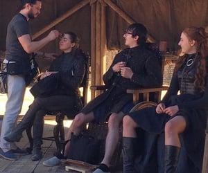 behind the scenes, arya stark, and bran stark image
