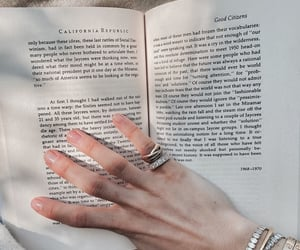 accessories, jewelry, and reading image