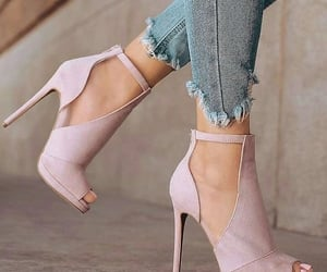 chaussures, rose, and shoes image