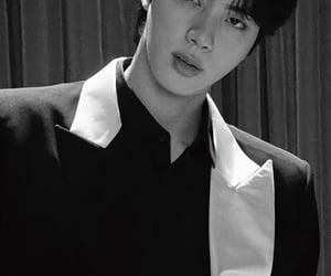 jin, back&white, and v image