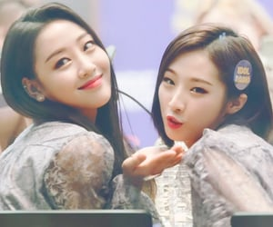 yves, haseul, and loona image