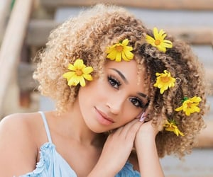 curly hair, hair, and lisette image