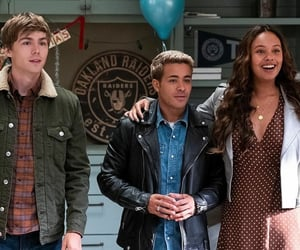 series, 13 reasons why, and miles heizer image