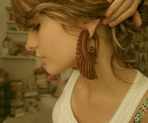 girl and earrings image
