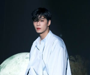 JR, nu'est, and i'm in trouble image