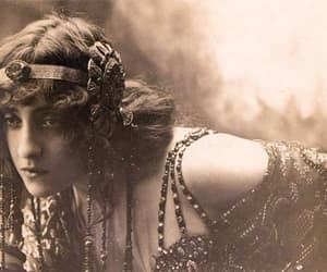 1922, aries sun, and lyda borelli image