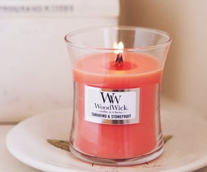 candle, yankee, and woodwick image