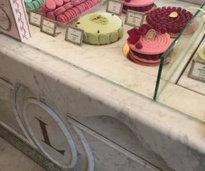 laduree and paris image