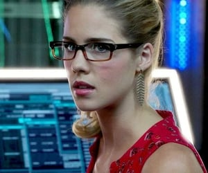 arrow, emily bett rickards, and felicity smoak image