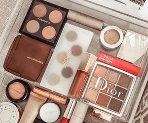 makeup and selfcare image