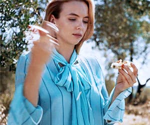 beauty, pretty, and jodie comer image
