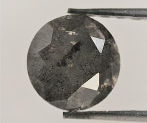 diamond, round shape, and round brilliant cut image