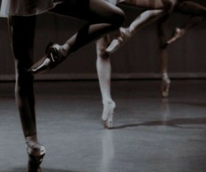bailarinas, ballet, and legs image