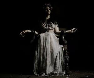 aesthetic, Queen, and dark image
