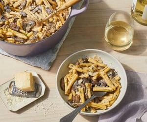 leek, mushroom, and pasta image