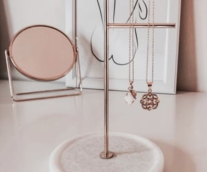 accessories, jewelry, and necklaces image