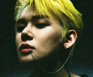 boy, lockscreen, and kpop image