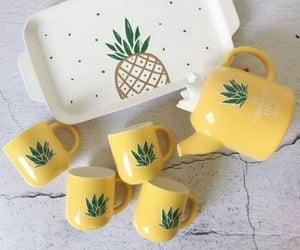 ananas, bardak, and sarı image