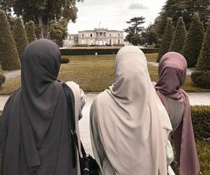 hijab hijabi, quran kuran, and abaya caftan image