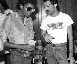 michael jackson, Freddie Mercury, and Queen image