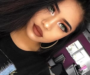 girl girls makeup, makeup highlight glow, and pretty hottie girl image