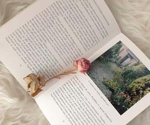 여유로운 평일 오후 집인테리어 여기 저기 바꿔보기 - 💚펼쳐진 책 보니 지베르니 가고싶구 🌱...#우리집