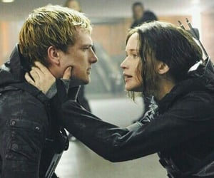 katniss, peeta, and katniss everdeen image