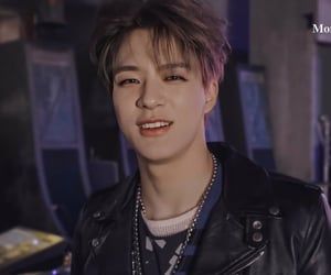 lee jeno, nct dream, and nct image