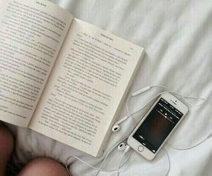 books, headphones, and minimalista image