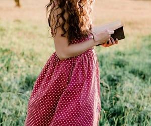 długie sukienki na lato image