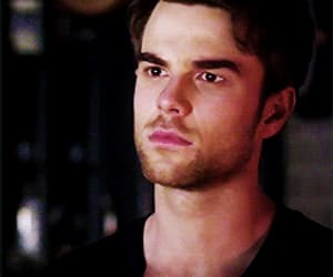 actor, gif, and nathaniel buzolic image