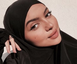 hijab, islam, and arab image