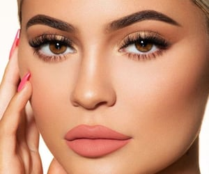 make-up and kylie jenner image