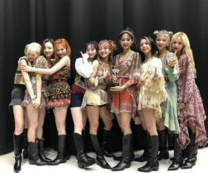 girl group, momo, and twice image