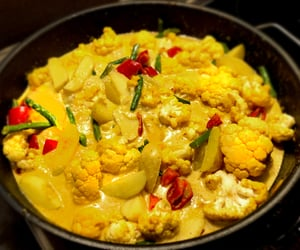 article, cauliflower, and curry image
