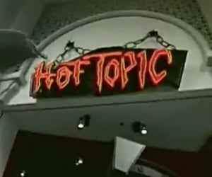 hot topic image