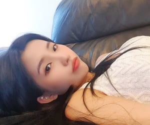 girl group, kpop, and jeon soyeon image