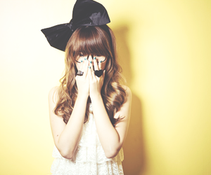 girl, cute, and bow image