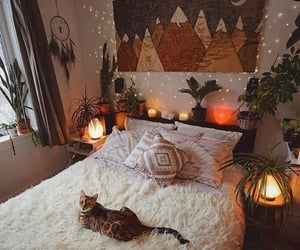 @bohemiandecor @sukiicat's bedroom is so enchanting 🐱💫🧡 What do you think of this set up? Follow @boho_pets 🐾