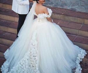 robe de mariée, cheap wedding dresses, and floral wedding dresses image