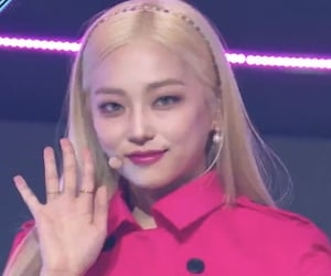 yeeun's special barbie stage at m countdown