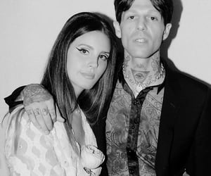 lana del rey, the neighbourhood, and jesse rutherford image