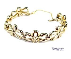 gold tone, gift bracelet, and fashion bracelet image