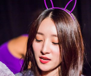 kpop, fansign, and SUA image