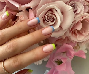 Kylie Jenner, Margot Robbie and Other Stars Serve Up Summer 2020 Nail Inspo.❤❤❤