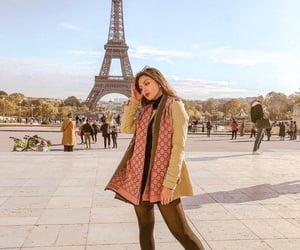 torre eiffel, outfit travel, and winter outfit image