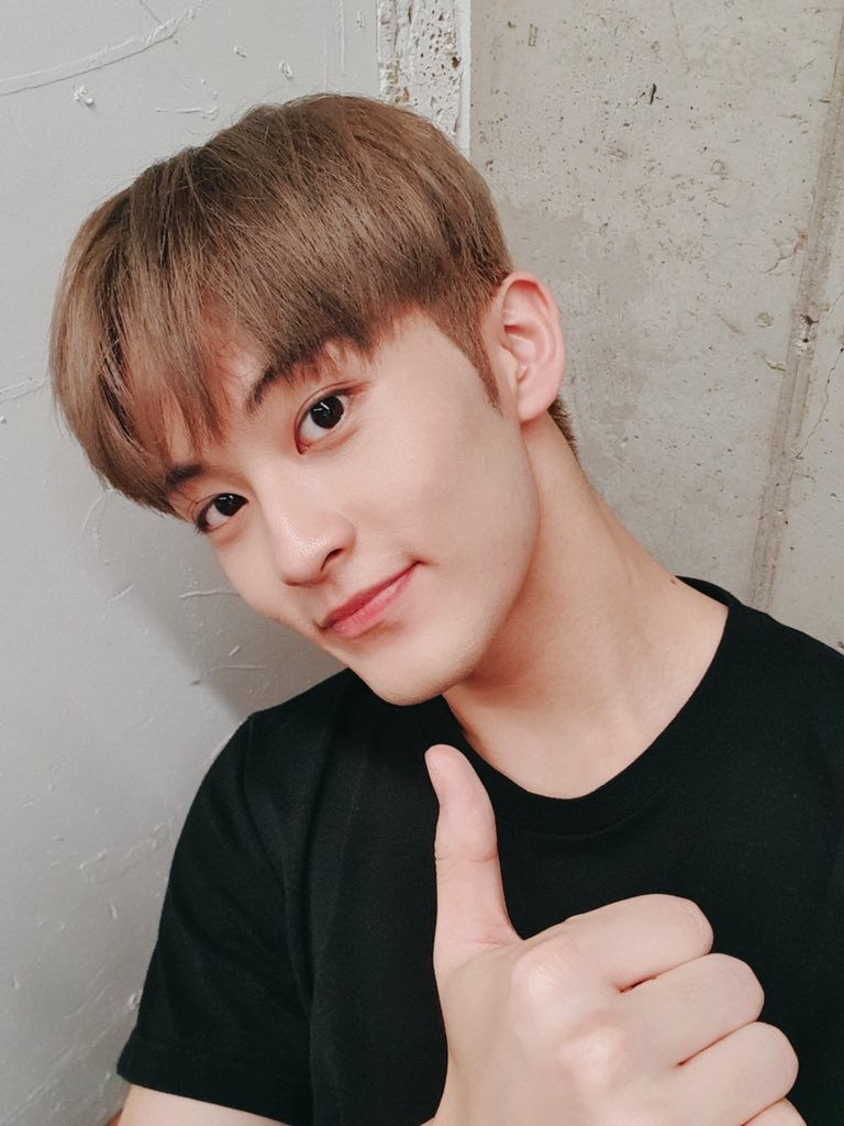 mark lee, nct 127, and kpop image